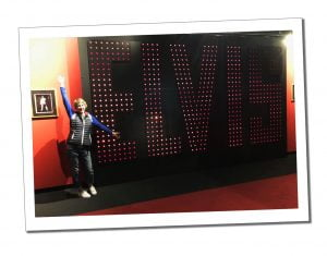 SWWW and the BIG Elvis Sign, Graceland, Memphis