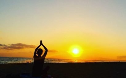 SueWhereWhyWhat strikes a yoga pose at sunset in Cuba. What I Have Achieved on my Life List in 2018?