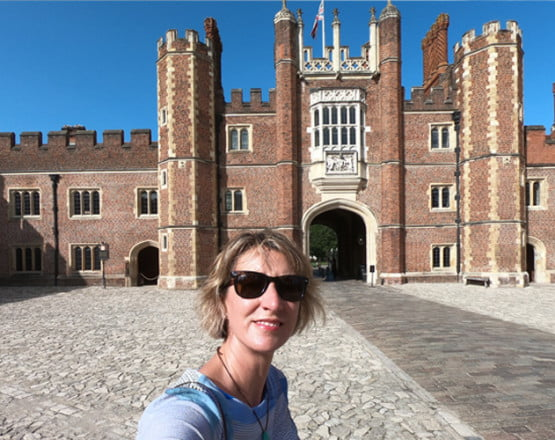 Ultimate Guide to Planning Your Perfect Hampton Court Day Trip Title Pic